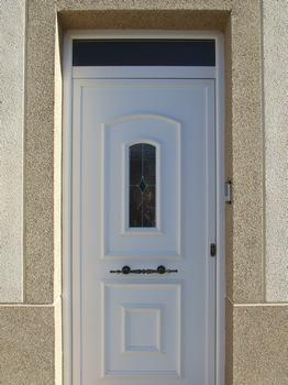 Puertas gesti n y dise o del metal for Puertas de metal con diseno